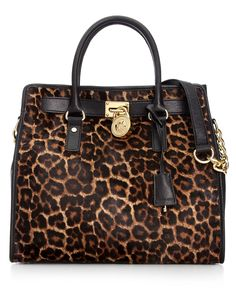 Perfect leopard handbag.