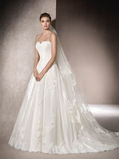 St. Patrick | MALEN - Wedding dress in tulle, lace and gemstone embroidery
