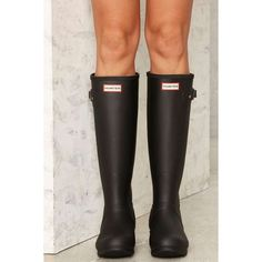Hunter Original Tall Rain Boot (2,795 MXN) ❤ liked on Polyvore featuring shoes, boots, black, black shiny boots, tall black boots, weatherproof boots, rubber boots and black wellington boots