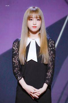 choi yena pics (@yenapix) | Twitter Yuri, Korean Girl Fashion, Japanese Girl Group, Be A Nice Human, The Wiz, Our Girl, Fun To Be One, Pop Group, Pretty Woman