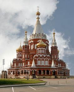 St. Michael's Cathedral in Izhevsk, Russia, is one of the two main Orthodox churches of Udmurtia. It is built in the Russian Revival style and its tent-like roof is 67 m (220 ft) tall. The church was originally built in 1915, but destroyed by the Soviets in 1937. It was reconstructed in 2007. Photo: Richard Bartz/Murdockcrc