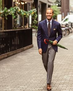 Do you want to know the secrets of some of the most stylish men? Check out these men's style tips and instantly upgrade your style. Best Mens Fashion, Mens Fashion Suits, Fashion Outfits, Men's Fashion, Mens Suits, Flannel Suit, Suit And Tie, Well Dressed Men, Gentleman Style