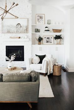 How to Create a Cozy Living Room &; Amy E Peters BLO&; How to Create a Cozy Living Room &; Amy E Peters BLO&; Decorating Decorating Style How to Create a […] living room fireplace Cozy Living Rooms, Home Living Room, Living Room Designs, Living Spaces, Bookshelf Living Room, Living Room Shelf Decor, How To Decorate Living Room, Modern Living Room Decor, Modern Chic Decor