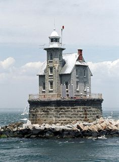 Race Rock Lighthouse, New York at Lighthousefriends.com
