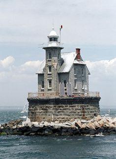Race Rock Lighthouse, New York at Lighthousefriends.com