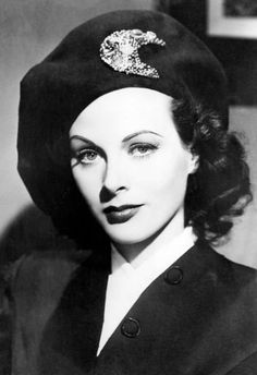 The Golden Year Collection — Hedy Lamarr Old Hollywood Glamour, Golden Age Of Hollywood, Vintage Glamour, Hollywood Stars, Vintage Beauty, Hollywood Actor, Hollywood Actresses, Classic Hollywood, Hollywood Couples