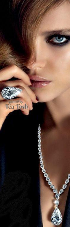 ❇Téa Tosh❇ Diamonds are a girls best friend!