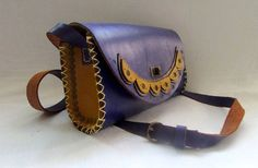 Handmade leather Bag in two colours:blue and mustar yellow #handmade #leatherbag #leathercraft #blue #vintagelook