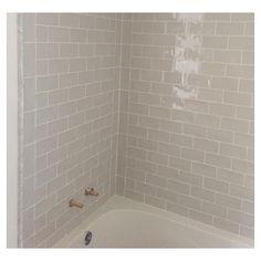 MEREDITH HERON Tile work extraordinaire + Marble = Smart #Bathroom . . . #interiors #interiordesign #beautyshots #vignette #bolddecor #luxury #luxurylifestyle #layering #ModernTrad #classic #luxuryinteriors #sophisticated #liveableluxury #luxuryhome #luxe #accessories #color #strongfeminine #luxuryliving #decorate #decor #homedecor #meredithherondesign #thatsdarling #maximalist #patternplay