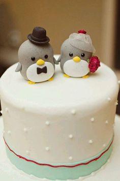 Penguin wedding cake topper Photo via Project Wedding Penguin Cake Toppers, Penguin Cakes, Penguin Art, Deco Cupcake, Cupcake Cakes, Dog Cakes, Creative Wedding Cakes, Creative Cakes, Beautiful Cakes
