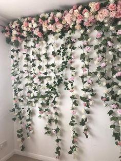 Flower Wall Backdrop, Floral Backdrop, Wall Backdrops, Floral Garland, Backdrop Wedding, Backdrop Ideas, Hanging Flower Wall, Diy Garland, Flower Garland Wedding