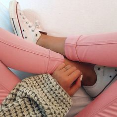 pink jeans + converese's