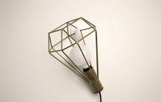 Luminária Lady - Móveis e objetos de design assinado - Entrega em todo o Brasil