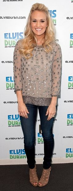 Carrie Underwood Cutout Boots - Carrie Underwood visited the Elvis Duran morning radio show wearing a pair of tan suede cutout booties. Carrie Underwood, Celebrity Gallery, Celebrity Look, Celeb Style, Celebrity Pictures, Cutout Boots, Fashion Beauty, Fashion Tips, Style Fashion