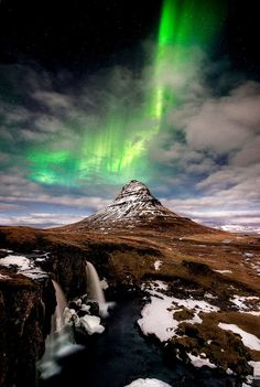 green northern lights over Iceland.... by David Martin Castan