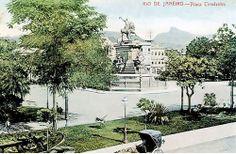 Obras da Praça Tiradentes deverão ser concluídas em junho -  Postado na data de 8/4/2011
