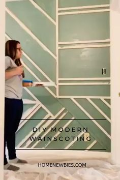 DIY Modern Wainscoting DIY Modern Wainscoting Home Newbie&;s homenewbies Ideas For the House Cheap Easy Modern Wainscoting! Such an easy way to […] paneling videos Green Accent Walls, Accent Walls In Living Room, Accent Wall Bedroom, Wooden Accent Wall, Living Room Panelling, Accent Wall Decor, Accent Wall Designs, Bedroom Artwork, Accent Wall Colors