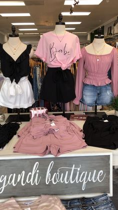 Women's Clothing Boutique, Cute and Affordable Fashion Vintage Clothing Display, Clothing Store Displays, Clothing Store Design, Clothing Boutique Interior, Boutique Interior Design, Boutique Store Design, Ideas De Boutique, Boutique Decor, Online Clothing Boutiques