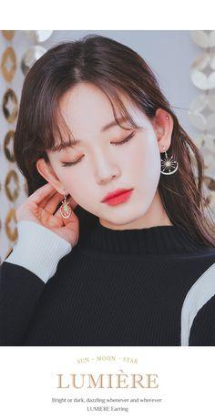LUMIERE Earring (silver post, moon and sun motif) – Wingbling Global Korean Beauty Girls, Korean Girl, Real Beauty, True Beauty, Aesthetic People, Chinese Actress, Jewelry Case, Swarovski Pearls, Kawaii Girl