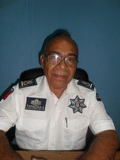Autoridades Retiran Carros Chatarras de la Vía Pública para Inhibir Delincuencia http://noticiasdechiapas.com.mx/nota.php?id=86436 …