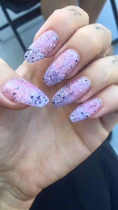 Clear nails, speckled nails, coffin nails, coffin shape, manicure, solar nails, acrylic nails, gel nails