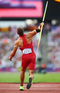 Trey Hardee Photos - Trey Hardee of the United States competes during the Men's Decathlon Javelin Throw on Day 13 of the London 2012 Olympic Games at Olympic Stadium on August 2012 in London, England. Human Poses Reference, Body Reference, Discus Throw, Javelin Throw, My Dream Team, Athletic Events, Anatomy Poses, Figure Poses, Manish
