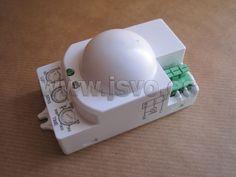 Detector de movimiento por micro-Ondas (5,8 GHz) para control de iluminación. • Electro dh Mód.: 60.252/RF • Detecta el movimiento de personas a través de paredes, puertas, falsos techos, etc. • Área de deteciión: 360º • Distancia máxima de detección: 8m • Potencia máxima: • Incandescente: 1200W (220-240V~) • Bajo consumo: 300W (220-240V~) • NO INSTALAR DETRÁS DE MATERIALES METÁLICOS!! www.jsvo.es