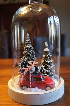 30 Eye - Catching DIY Christmas Decorations and Crafts * remajacantik Make your home warm and happy and it's time to do last Christmas decorations and fell holiday spirit. As the music stations start switching -CatchingChristmasCraftsIdeas christmasjars Christmas Candy Cane Decorations, Diy Christmas Decorations For Home, Christmas Lanterns, Christmas Jars, Christmas Centerpieces, Rustic Christmas, Simple Christmas, Christmas Home, Christmas Crafts