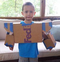 Make A Transformers Soundwave Costume From Cardboard - Halloween Makeup Robot Costume Diy, Transformer Halloween Costume, Cardboard Costume, Halloween Costumes Kids Boys, Robot Costumes, Easy Diy Costumes, Diy Robot, Cardboard Mask, Transformer Party