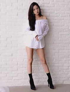 My Blackpink bias. Blackpink Jisoo, South Korean Girls, Korean Girl Groups, Black Pink ジス, Ft Tumblr, Chica Cool, Blackpink Photos, Blackpink Fashion, Jennie Blackpink