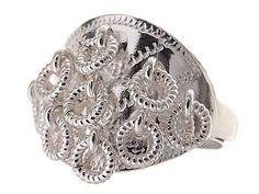 Traditionell samisk silverring med nio små ringar