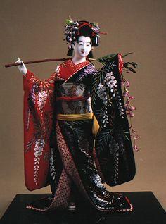 A Fujimusume (Wisteria Maiden) doll made by Shisui Sekihara.