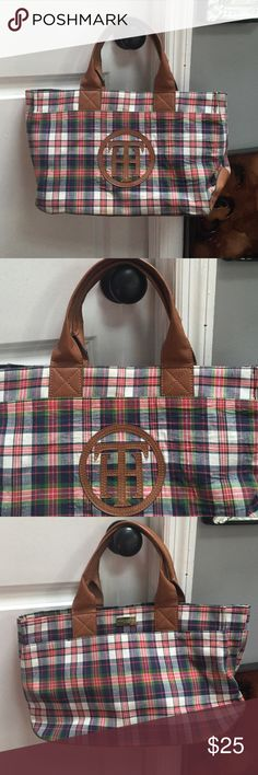 Very cute Tommy Hilfiger bag Very cute Tommy Hilfiger bag Tommy Hilfiger Bags Shoulder Bags