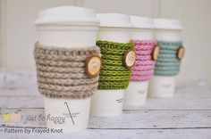 Ravelry: Frayed Knot's 15 min Coffee Sleeve pattern by Jonna Ventura. Looks knitted, but it's crochet!