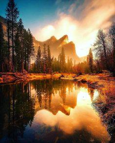 Sunset reflections at the beautiful yosemite national park Yosemite National Park, National Parks, Landscape Photography, Nature Photography, Photography Ideas, Beautiful Places, Beautiful Pictures, Closer To Nature, Beautiful Sunrise
