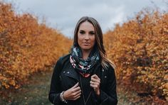 This shot tho! /lindsay_skeans/ is stunning in our coral bird scarf, perfect for fall! Coral, Bird, Fall 2016, Fans, Clothes, Fashion, Outfits, Moda, Clothing