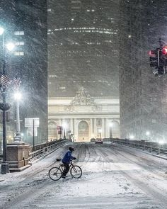 NYC. Snow on the approach to Grand Central. http://whatisthebestmountainbike.com/