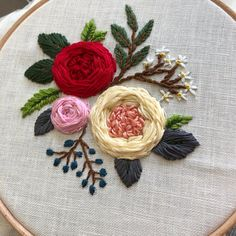 Diy Embroidery Patterns, Flower Embroidery Designs, Crewel Embroidery, Beaded Embroidery, Cross Stitch Patterns, Embroidered Roses, Dmc, Garden Roses, Tutorial