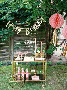New garden party decorations diy drink stations 62 ideas Backyard Birthday Parties, Garden Birthday, Garden Parties, Party Garden, Garden Wedding, 30th Birthday Decorations, Garden Party Decorations, 21st Party, 30th Birthday Parties