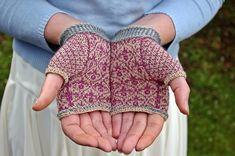 Ravelry: Leighton House Handwarmers pattern by Ella Austin