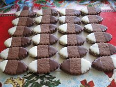 Najvyšší čas začať piecť: 10 receptov na vianočné drobné pečivo Wow Nails, Czech Recipes, Cookie Jars, Beautiful Cakes, Gingerbread Cookies, Tiramisu, Biscuits, Food And Drink, Christmas