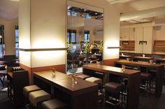 Lokal-Tipps: Die besten Brunch Lokale in Wien. via wienerin.at Brunch, Lokal, Bar Ideas, Conference Room, Table, Furniture, Home Decor, Mesh, Tips