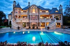 My dream house. Actually I love quite a few of them on this page, but this one specifically is my favorite. Like literally my dream house blueprint. Future House, My House, Castle House, Grand House, Exterior Tradicional, Beautiful Homes, Beautiful Places, Beautiful Dream, Amazing Places