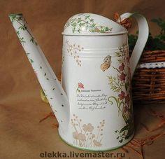 Леечка `Полевые цветы`. Нежная весенняя леечка декорирована в технике художественный декупаж. Многократное глянцевое покрытие.