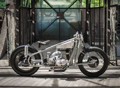 l'etonnante custom BMW motorcycle by st. brooklyn