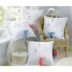 Lorena Taufkissen / Geburtskissen mit Stickerei Storch oder Mobile Rosa oder Blau   Bettwäsche mit Stil – Ihr Shop für anspruchsvolles Schlafen