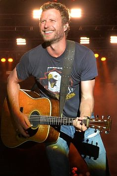 21 Sexy Dierks Bentley Snaps That Will Make You Do a Double Take
