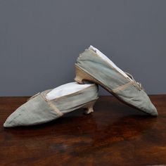 Antique Century Silk Shoes English Georgian Period Circa 1780 We are excited to be able to offer this elegant pair of George III period lady's 18th Century Fashion, Manolo Blahnik, Georgian, Footwear, Pairs, Costume, History, Antiques, Board