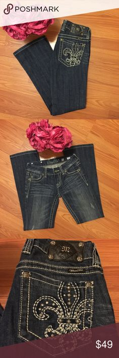 """🆕 Miss Me Boot Cut Jeans Gently worn pair of Miss Me boot cut jeans with fleur de lis design on rear pockets. No flaws. 31"""" inseam. Miss Me Jeans Boot Cut"""