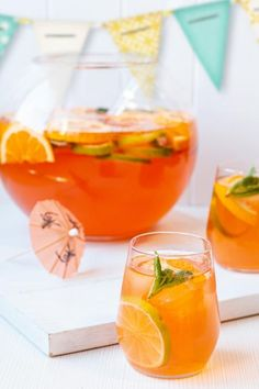 Halloween Drinks Kids, Halloween Cocktails, Easy Cocktails, Cocktail Drinks, Cocktails Vodka, Cocktail Recipes For A Crowd, Food For A Crowd, Punch Recipes, Alcohol Recipes